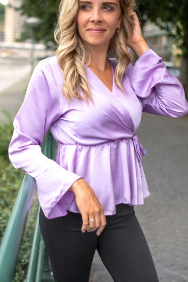 Ines Satin Top (Lilac)